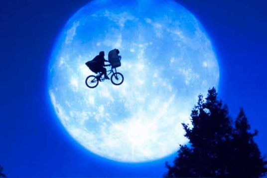 E.T. The Extra-Terrestrial Poster Image of Bicycle Flying In Front Of Moon